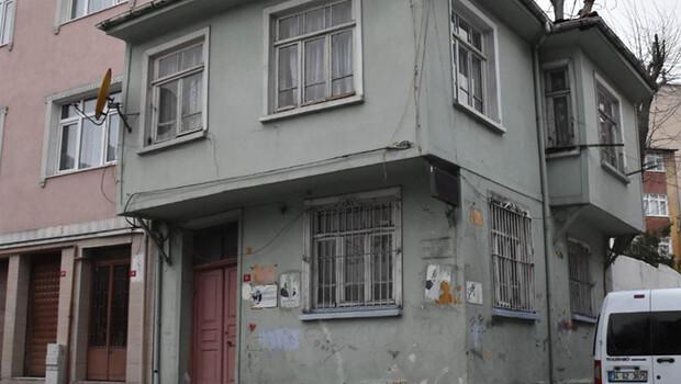 Orhan Kemal'in bir süre yaşadığı ev yıkılma tehlikesiyle karşı karşıya