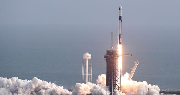 SpaceX önemli bir engeli daha aştı! 'Acil durum kaçış sistemi' başarıyla test edildi