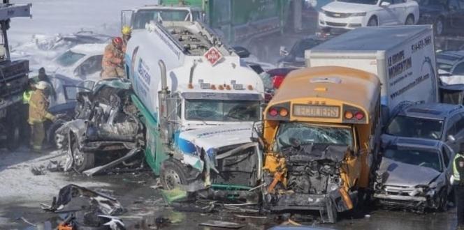 200 araç zincirleme kazaya karıştı: 2 ölü, 70 yaralı
