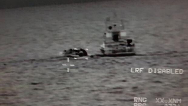Ege'de bir düzensiz göçmen botu yakalandı