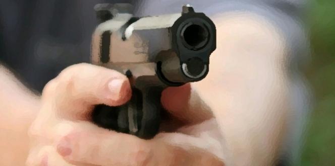 Güvenlik görevlisi önce okul müdürünü sonra kendini vurdu