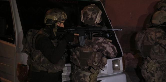 Sosyal medyada terörü öven 11 kişiye operasyon