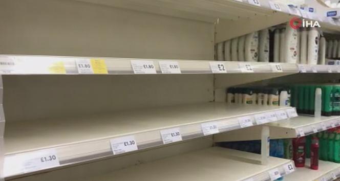 İngilizler, korona korkusuyla marketlere akın etti
