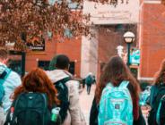 Çin'de öğrencilere ateş ölçen bileklik dağıtılıyor