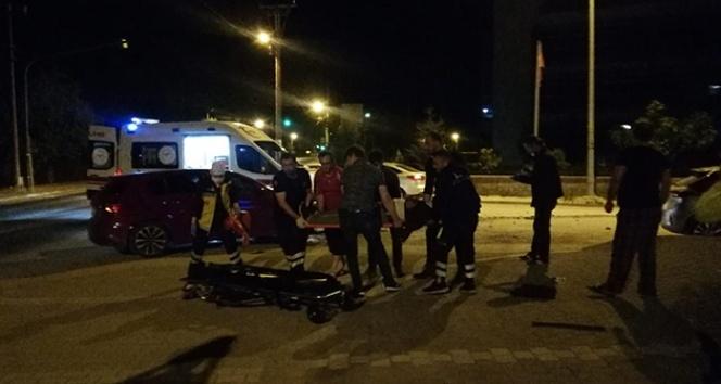 Şüpheli aracı kovalayan polis otosu kaza yaptı, bir polis yaralandı