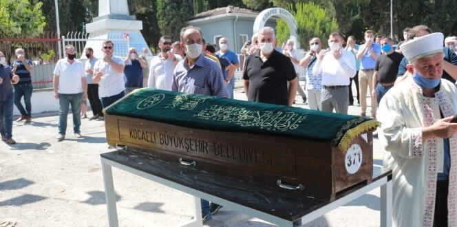 Balkondan düşen bebek 17 günlük yaşam savaşını kaybetti