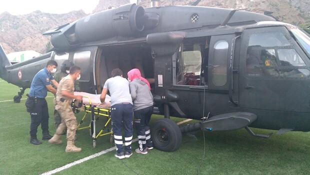 Kaçkar Dağı'na tırmanırken yaralanan dağcı, askeri helikopterle kurtarıldı