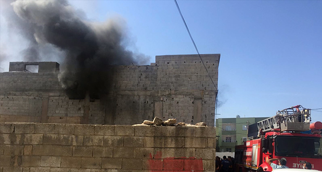 Elektrik kontağından çıkan yangın evi kül etti!