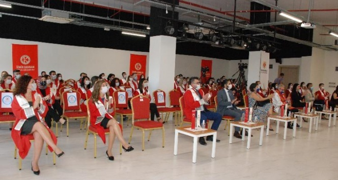 İzmir Kavram Meslek Yüksekokulu akademik yılı açıldı