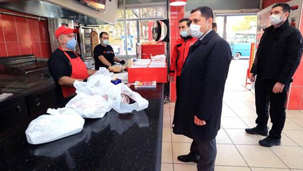 Amasya Valisi Masatlı, vatandaşları maske takmaları için tek tek uyardı
