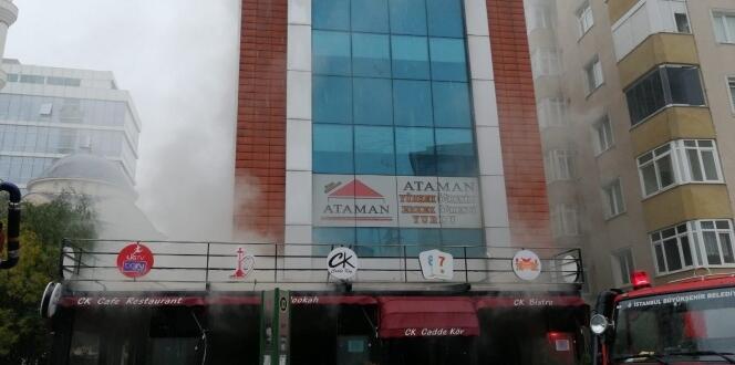 Ataşehir'de restoranda korkutan yangın