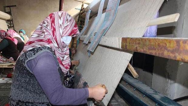 Bu mahallede kadınların dokuduğu halılar, ABD'ye ihraç ediliyor
