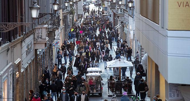 İtalya'da aktif Covid-19 vaka sayısı 800 bini aştı