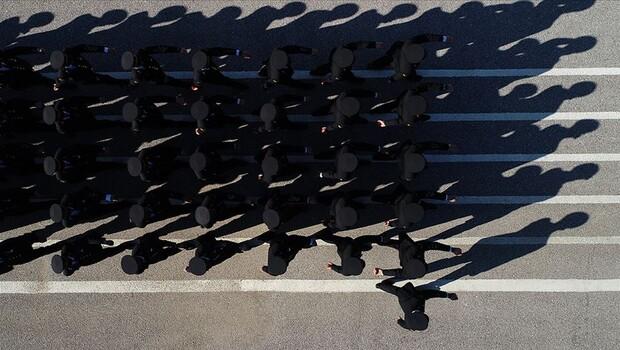 Son dakika haberler: FETÖ ile mücadelede TSK'dan 5 bin 587 personel ihraç edildi