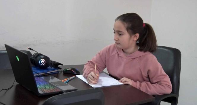 5. sınıf öğrencisi Öykü, matematik yarışmasında dünya birincisi oldu