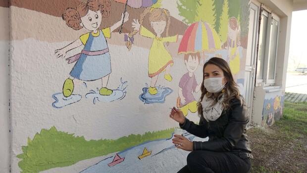 Denizi ve ormanı okul duvarlarına taşıdı