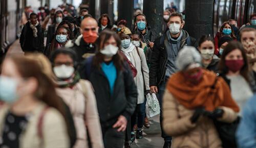 Fransa'da korona virüs vakaları 3 milyonu geçti