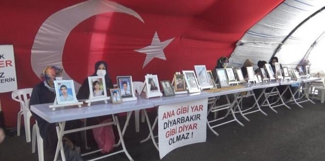 HDP önündeki aileler evlat nöbetini kararlılıkla sürdürüyor