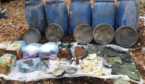 PKK'ya ait sığınakta patlayıcı ve yaşam malzemesi ele geçirildi