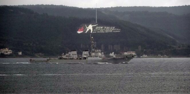 'USS Donald Cook' savaş gemisi Çanakkale Boğazı'ndan geçti