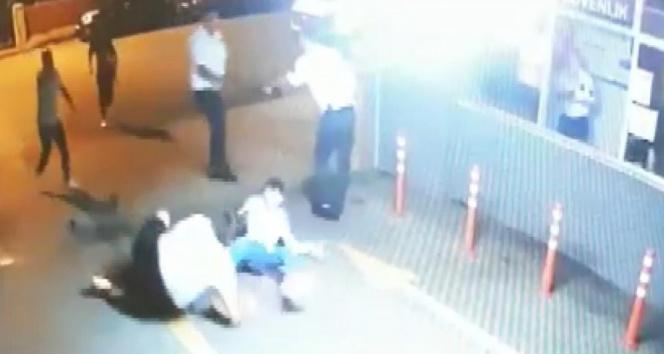 Kadıköy'de polis memurunu sırtından bıçaklamıştı: Müebbet hapsi istendi