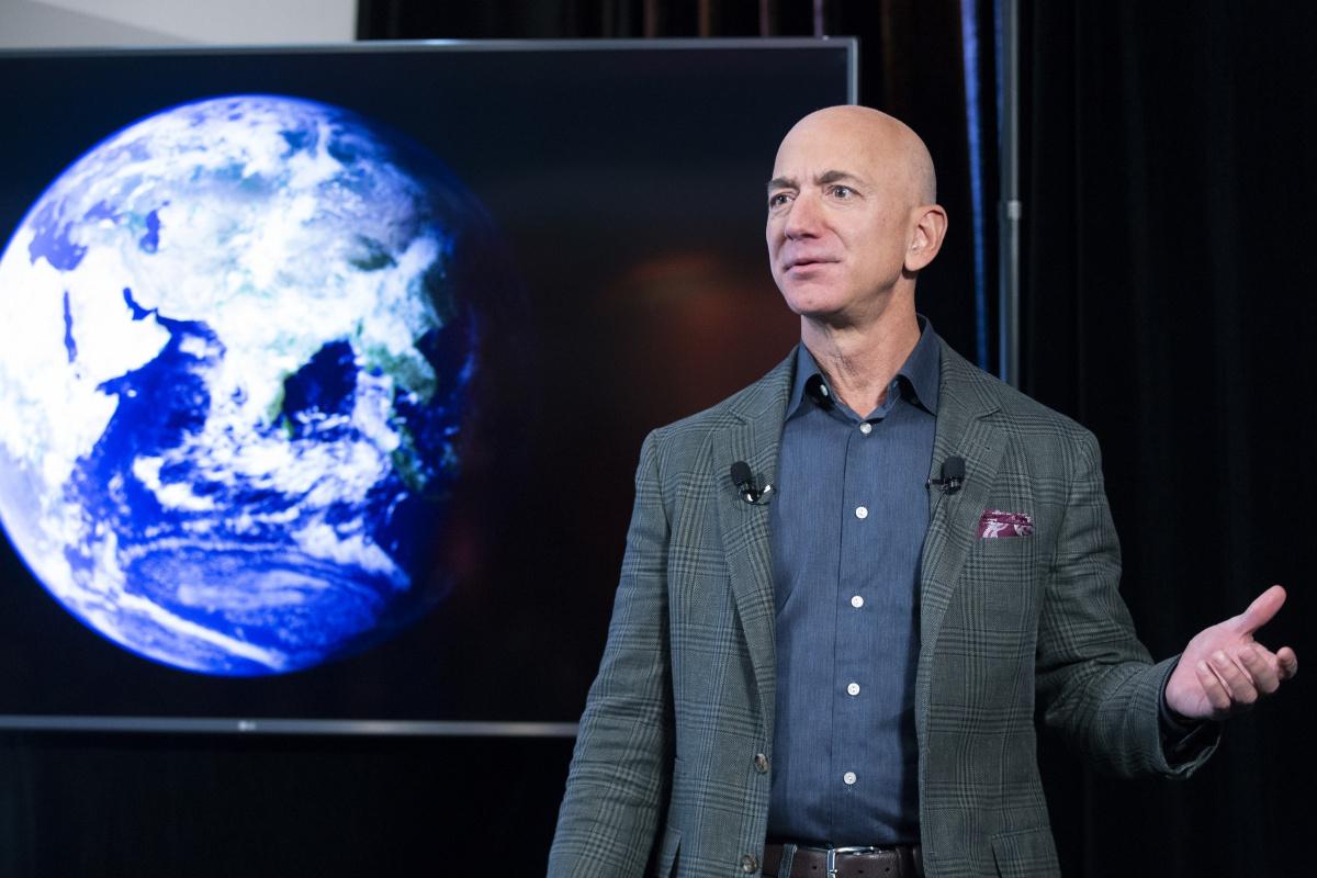 ABD'li milyarder Bezos'un uzay uçuşu ilklere sahne olacak
