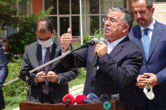 TBMM Milli Savunma Komisyonu Başkanı Yılmaz, MKE işçileri ile bir araya geldi